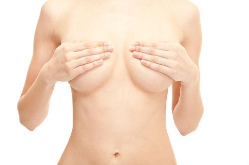 чтр происходит с девушкой когда трогаешь грудь
