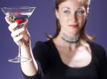 Как правильно пить мартини?