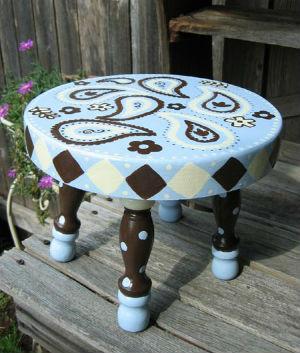 орнамент индийский огурец на мебели