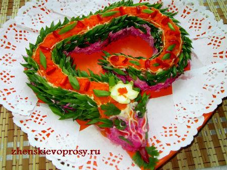 "новогодний салат ""Змейка"""