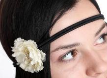 прическа с повязкой для волос