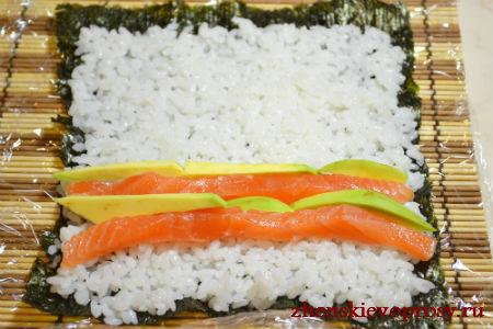 лосось и авокадо