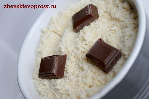 добавить кусочки шоколада