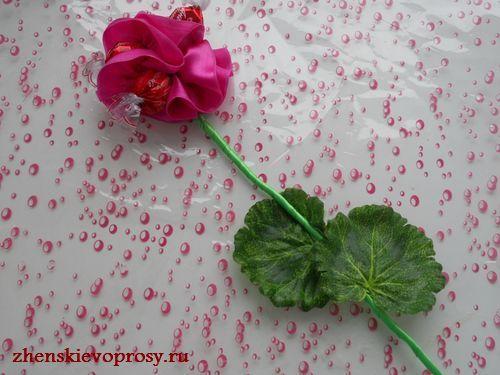 роза из конфет