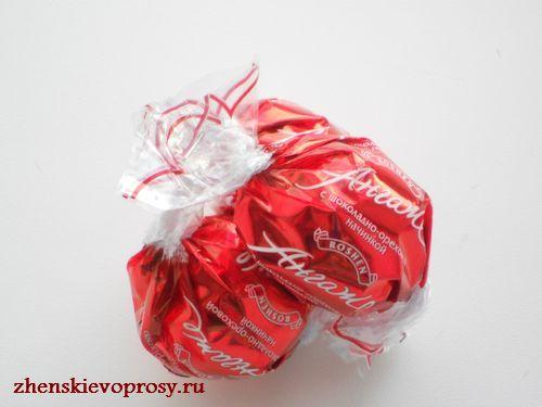 скрепляем 3 конфеты