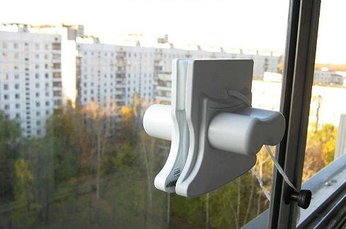 Щетка Татла - единственная, способная мыть стеклопакеты толщиной от 5 мм