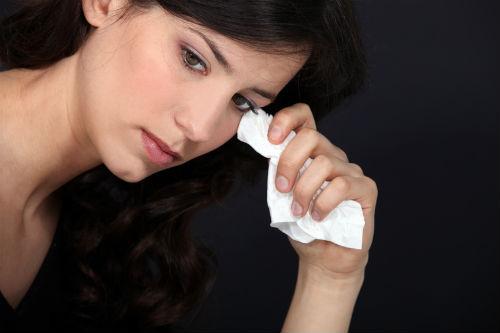 Почему женщины плачут?