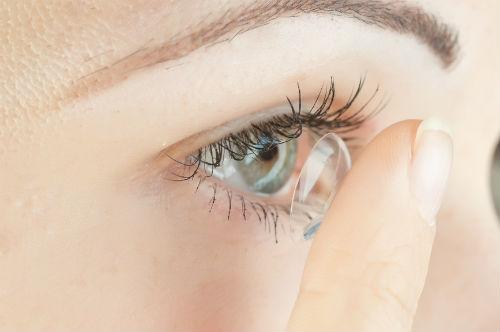 Как выбрать контактные линзы