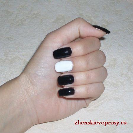 черный и белый лак на ногтях