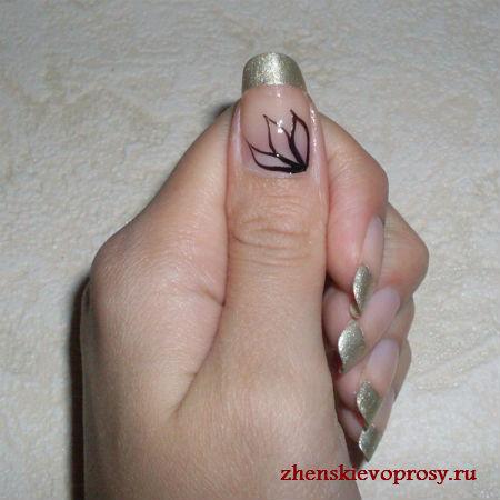 лепестки листьев на ногтях