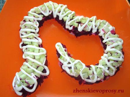 """салат """"Змея"""": слой майонеза"""