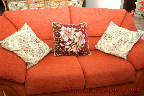 Декоративные подушки в интерьере Прованса