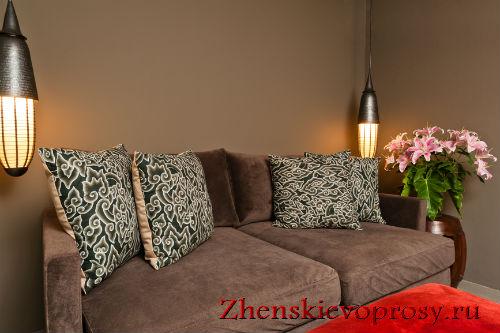 Подушки на диване - классический вариант