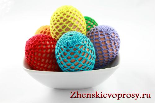 Украшение пасхальных яиц обвязаванием