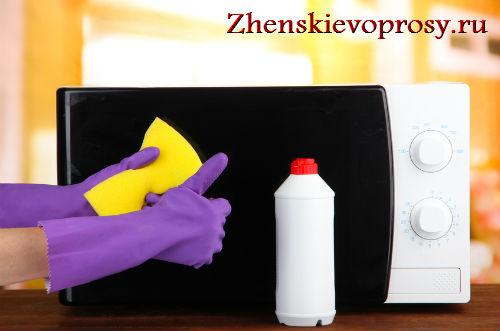 Как отмыть микроволновку?