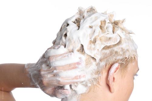 Как смыть краску с волос?